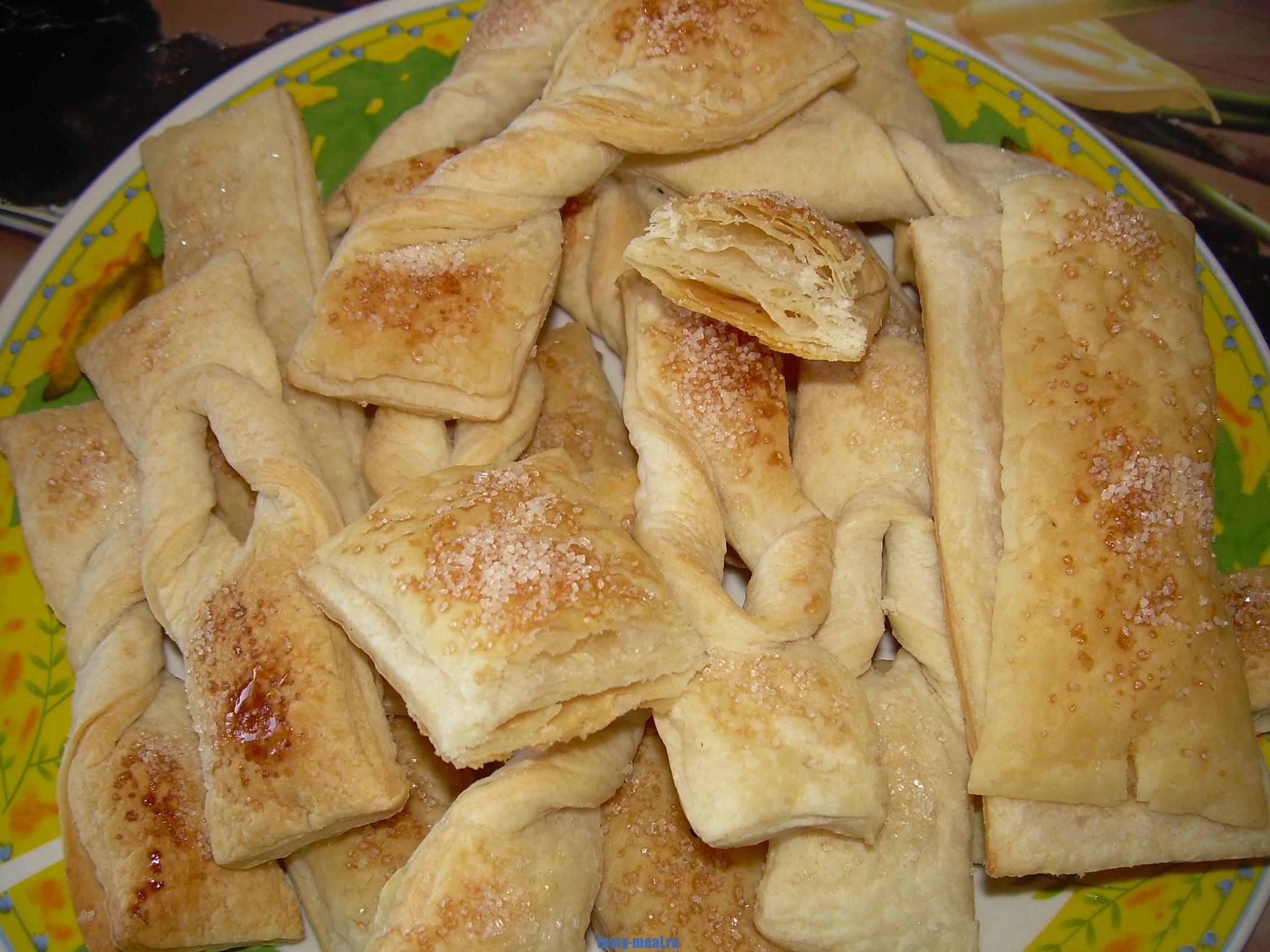 Пирожки лодочки из слоеного теста рецепты в духовке