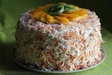 Кокосовый торт с фруктовым ассорти на творожной прослойке